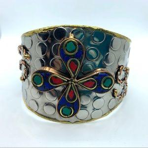 Western Mosaic Flower Accented Textured Cuff